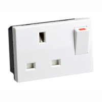 13 Amp 250V 72105x45 United Kingdom BS1363A Switched & Shuttered Outlet Receptacle