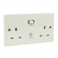 72300-D Duplex United Kingdom GFCI 30Ma Trip Flush or Surface Mount